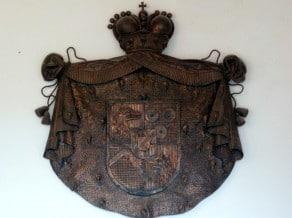 Das Wappen des Raubritters Erasmus von Luegg (Predjamski Grad, Slowenien)